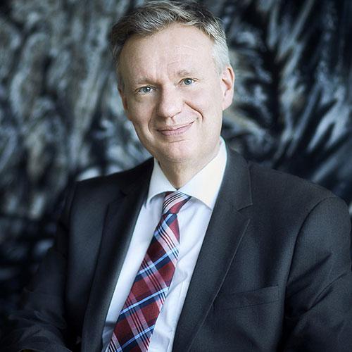 Dr. Ralf W. Ackermann